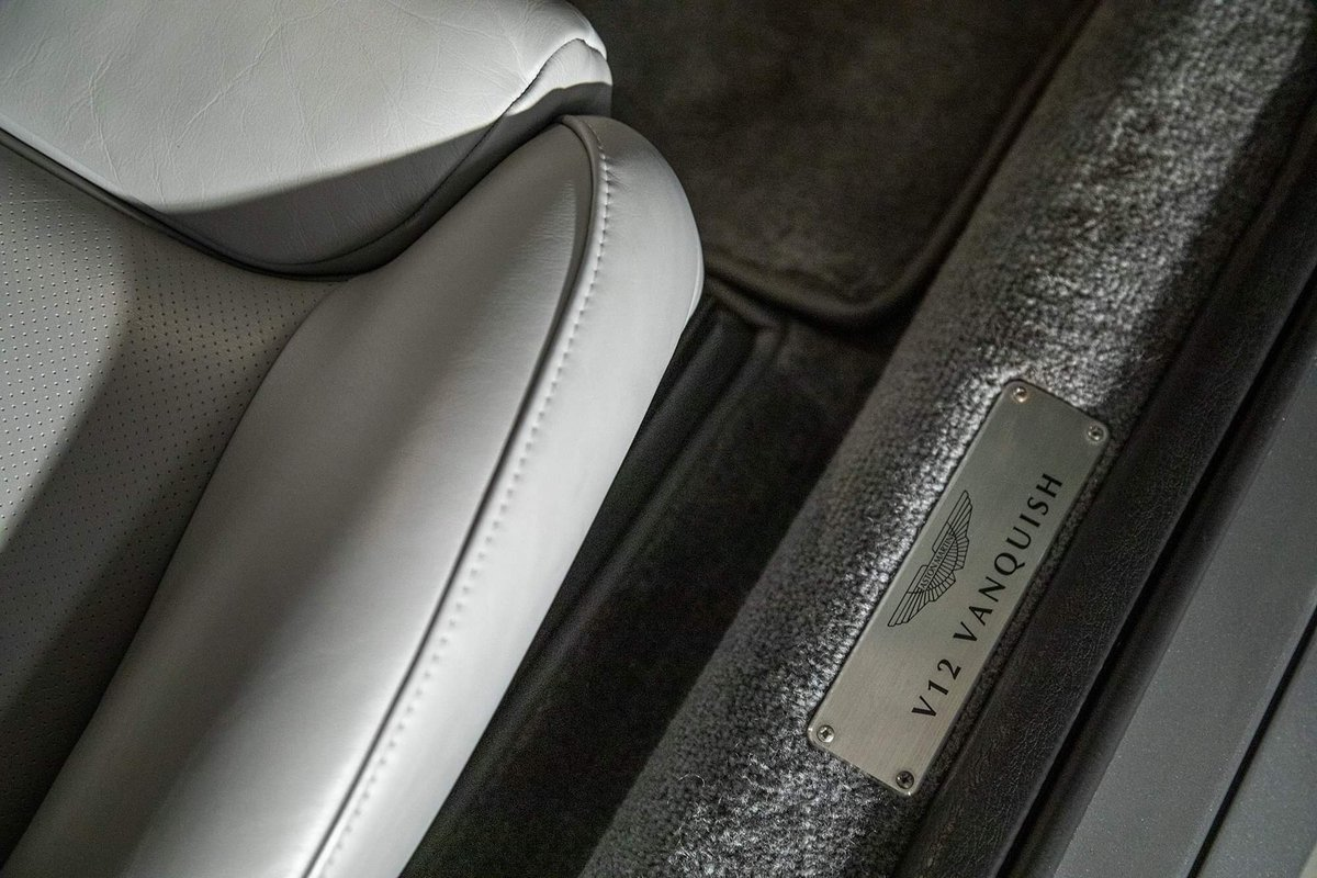 2002 Aston Martin Vanquish Ultra Low Miles LHD  For Sale (picture 17 of 24)