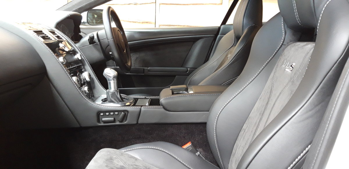2009 Aston Martin DBS V12 late rare manual For Sale (picture 6 of 6)