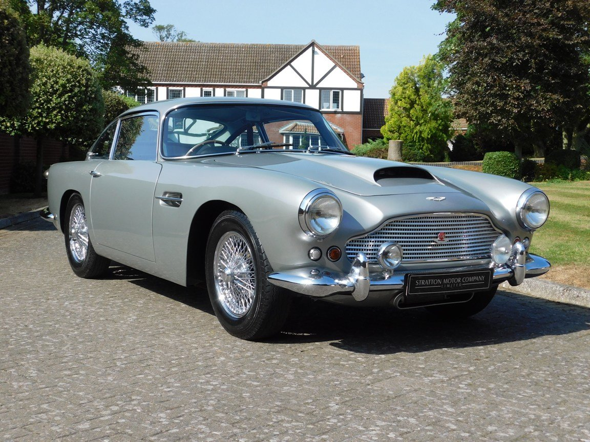 1961 Aston Martin DB4 Series II Sports Saloon For Sale (picture 1 of 11)