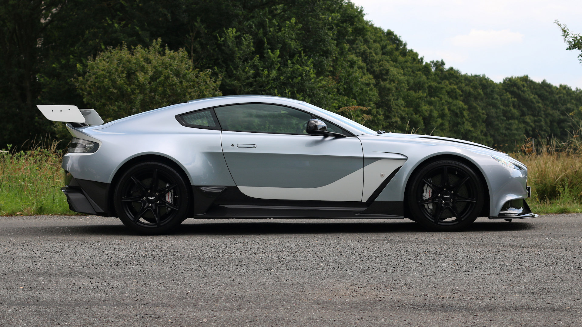 2015 Aston Martin GT12 - Skyfall Silver - 1 of 100 For Sale (picture 3 of 6)