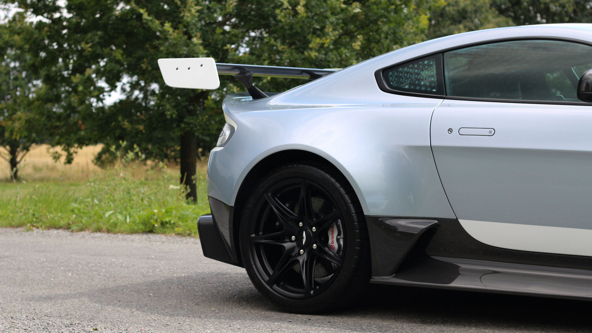 2015 Aston Martin GT12 - Skyfall Silver - 1 of 100 For Sale (picture 4 of 6)