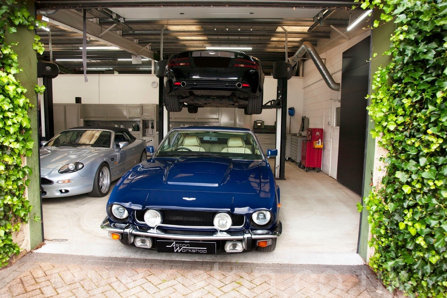 1981 Aston Martin V8 Series IV Oscar India SOLD (picture 6 of 6)