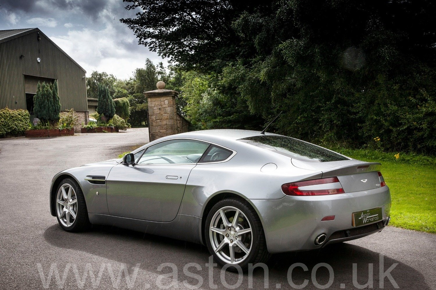 2007 Aston Martin V8 Vantage Coupe Manual  SOLD (picture 4 of 6)