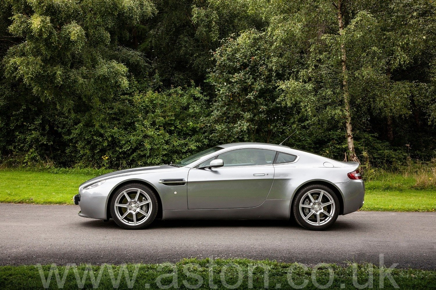 2007 Aston Martin V8 Vantage Coupe Manual  SOLD (picture 6 of 6)