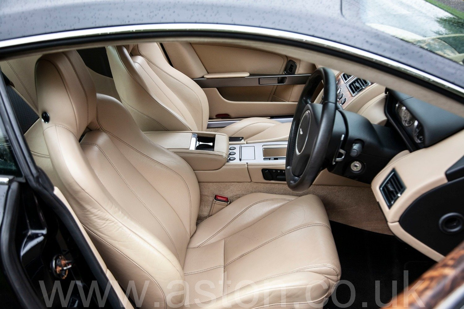2009 Aston Martin DB9 Coupe  SOLD (picture 3 of 6)