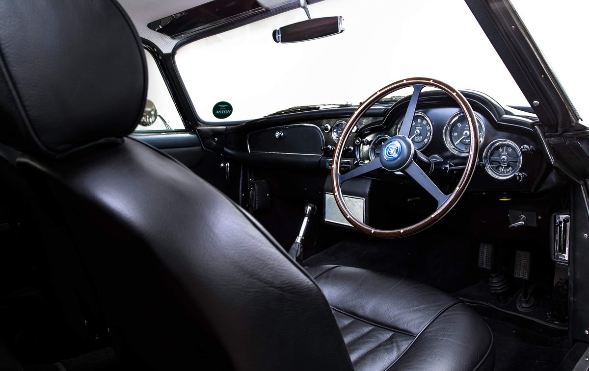 1961 Aston Martin DB4 Series II with DB4 GT Upgrades  For Sale (picture 13 of 24)