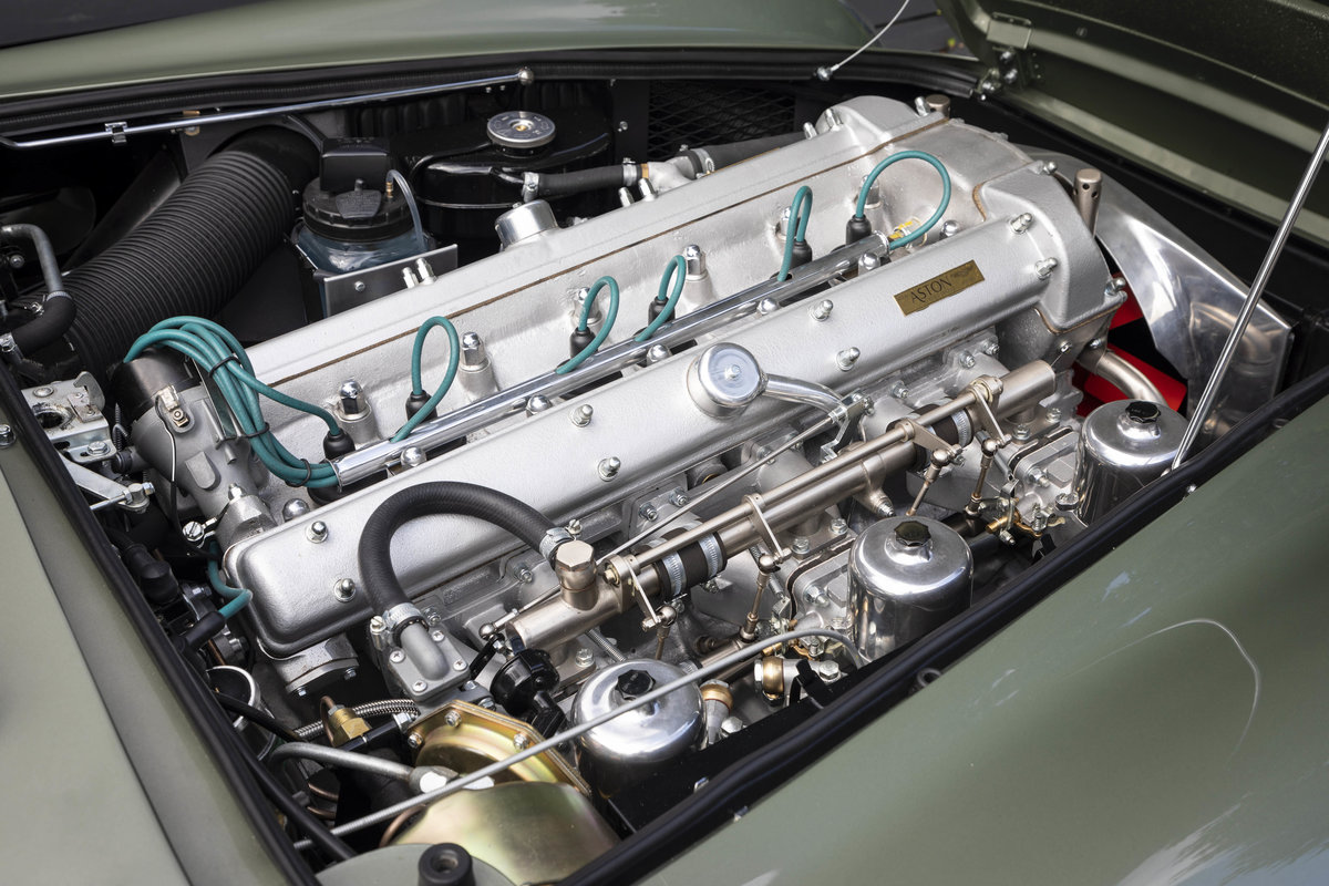 Aston Martin DB4 Series 5 VANTAGE For Sale (picture 5 of 6)