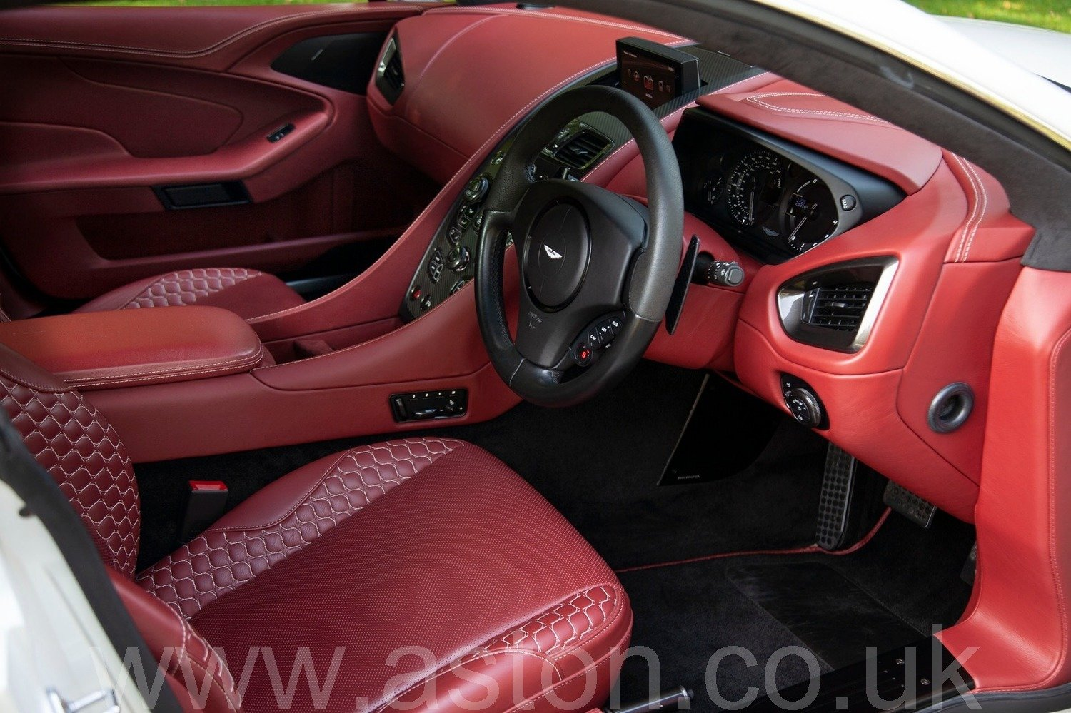 2013 Vanquish 6.0 V12 Touchtronic 2+2 For Sale (picture 3 of 6)
