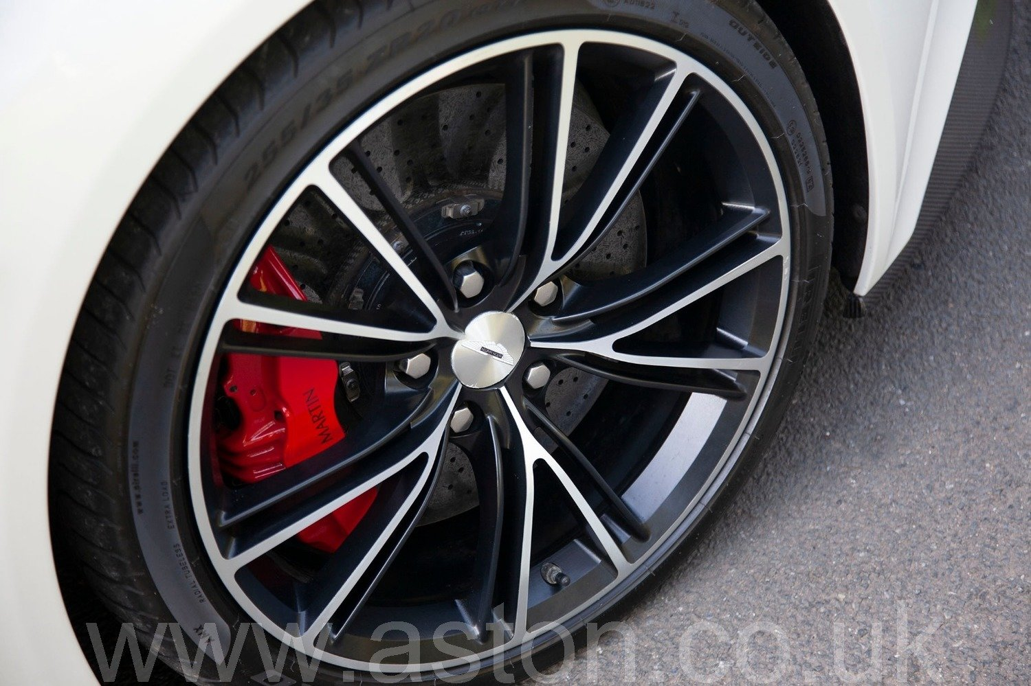 2013 Vanquish 6.0 V12 Touchtronic 2+2 For Sale (picture 4 of 6)