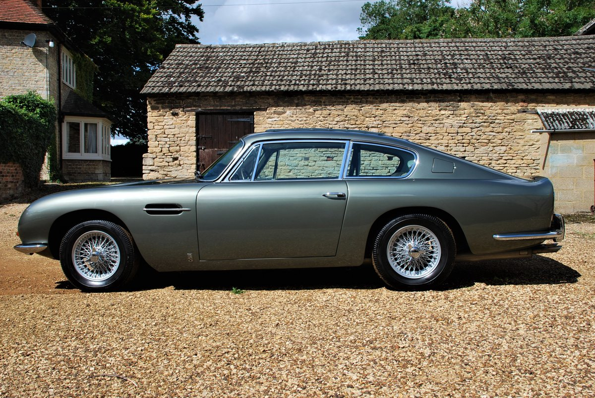 1968 Aston Martin DB6 Manual For Sale (picture 2 of 6)