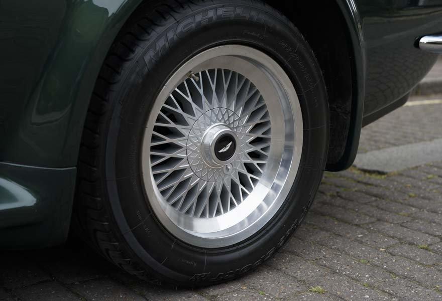 1989 Aston Martin V8 Vantage X-pack Volante (RHD) For Sale (picture 8 of 24)