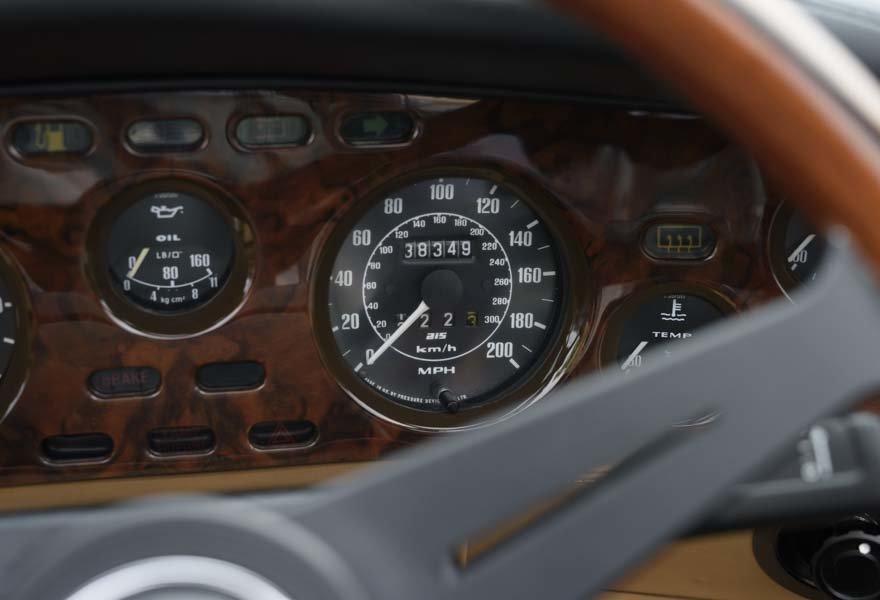 1989 Aston Martin V8 Vantage X-pack Volante (RHD) For Sale (picture 14 of 24)