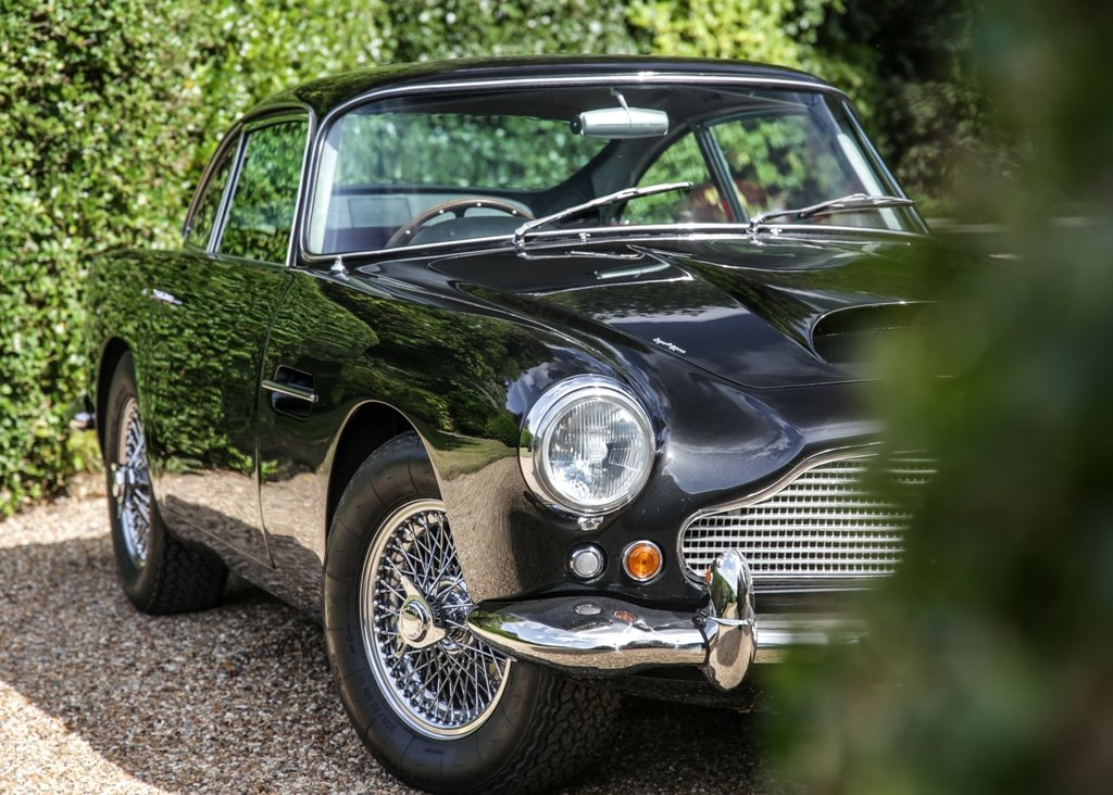 1961 Aston Martin DB4 Series III Superleggera SOLD by Auction (picture 2 of 6)