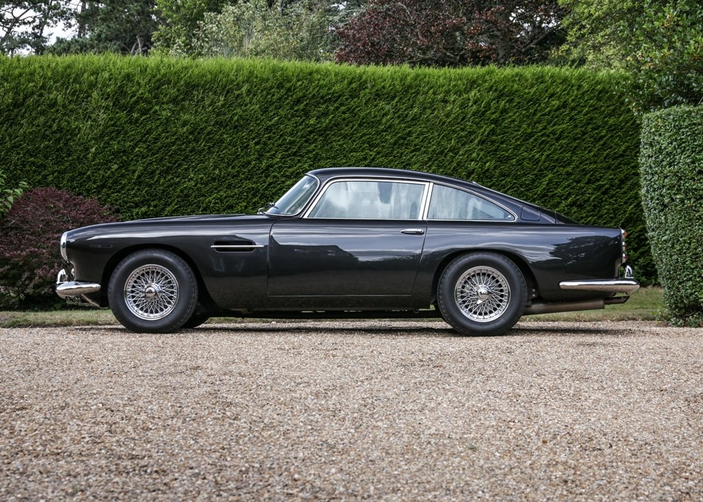 1961 Aston Martin DB4 Series III Superleggera SOLD by Auction (picture 3 of 6)