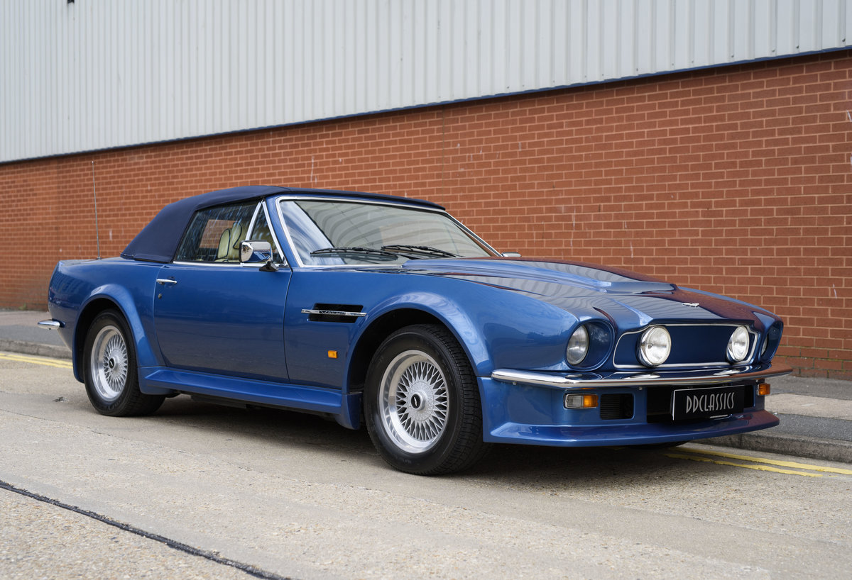 Aston Martin V8 Vantage Volante X-Pack Specification (RHD) For Sale (picture 2 of 24)