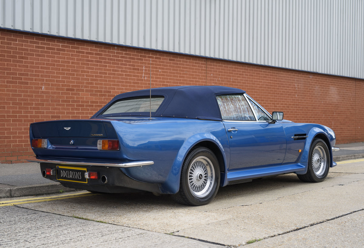 Aston Martin V8 Vantage Volante X-Pack Specification (RHD) For Sale (picture 3 of 24)