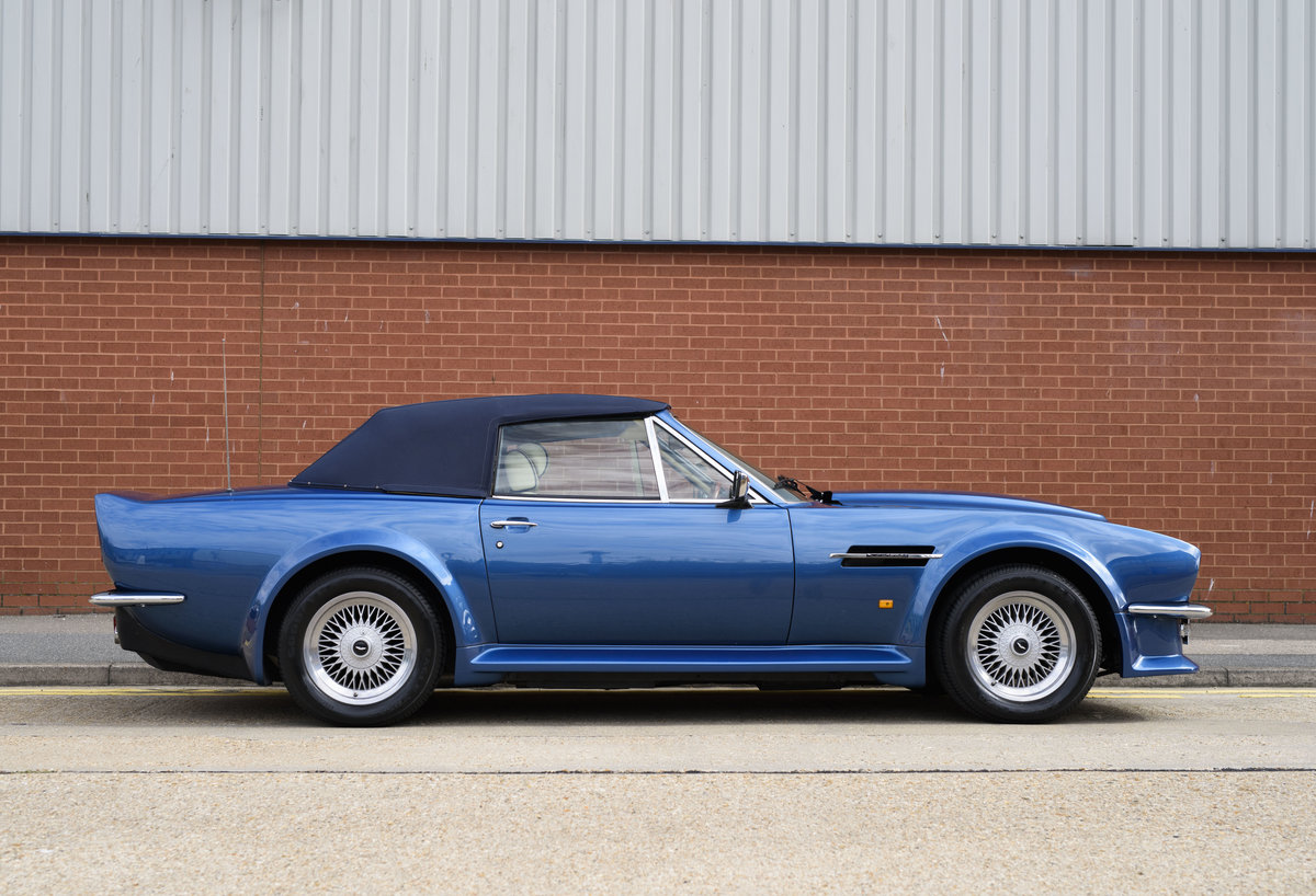 Aston Martin V8 Vantage Volante X-Pack Specification (RHD) For Sale (picture 5 of 24)