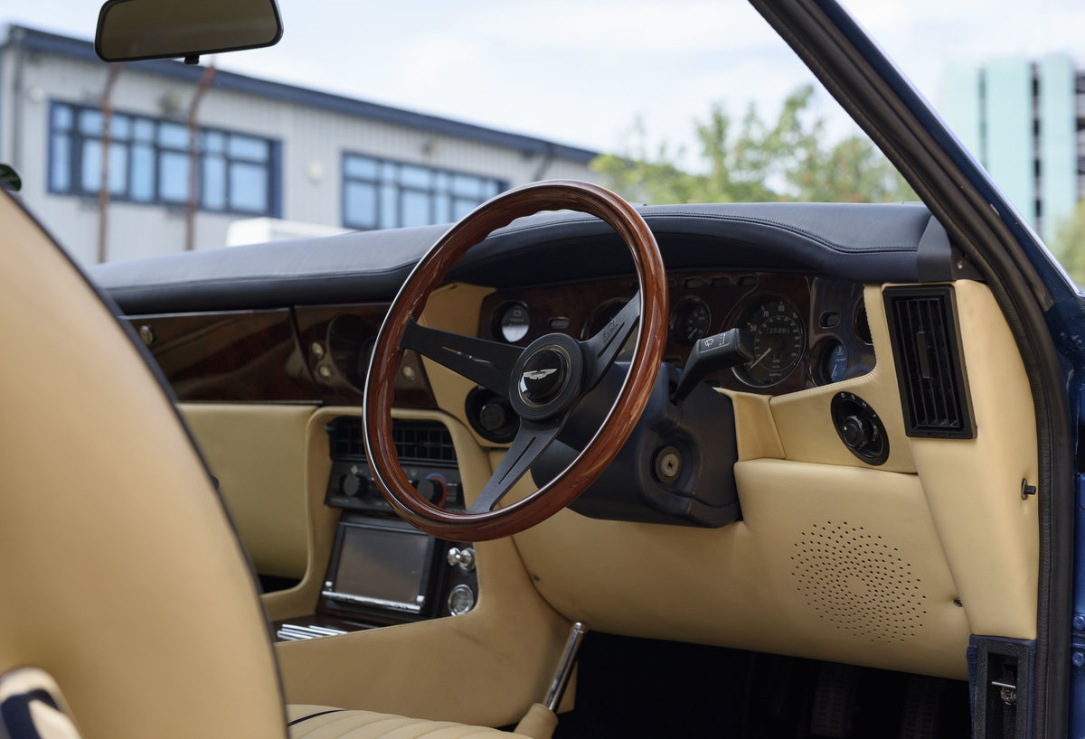 Aston Martin V8 Vantage Volante X-Pack Specification (RHD) For Sale (picture 15 of 24)