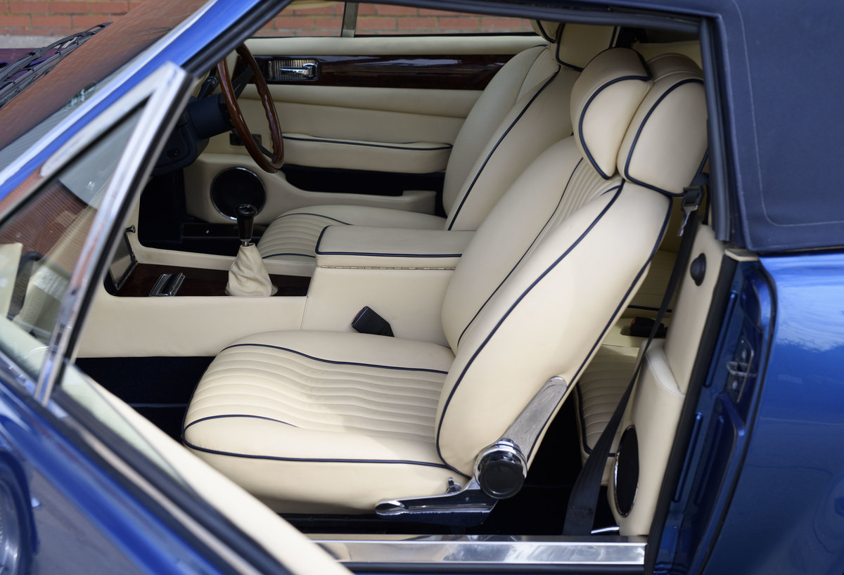 Aston Martin V8 Vantage Volante X-Pack Specification (RHD) For Sale (picture 17 of 24)