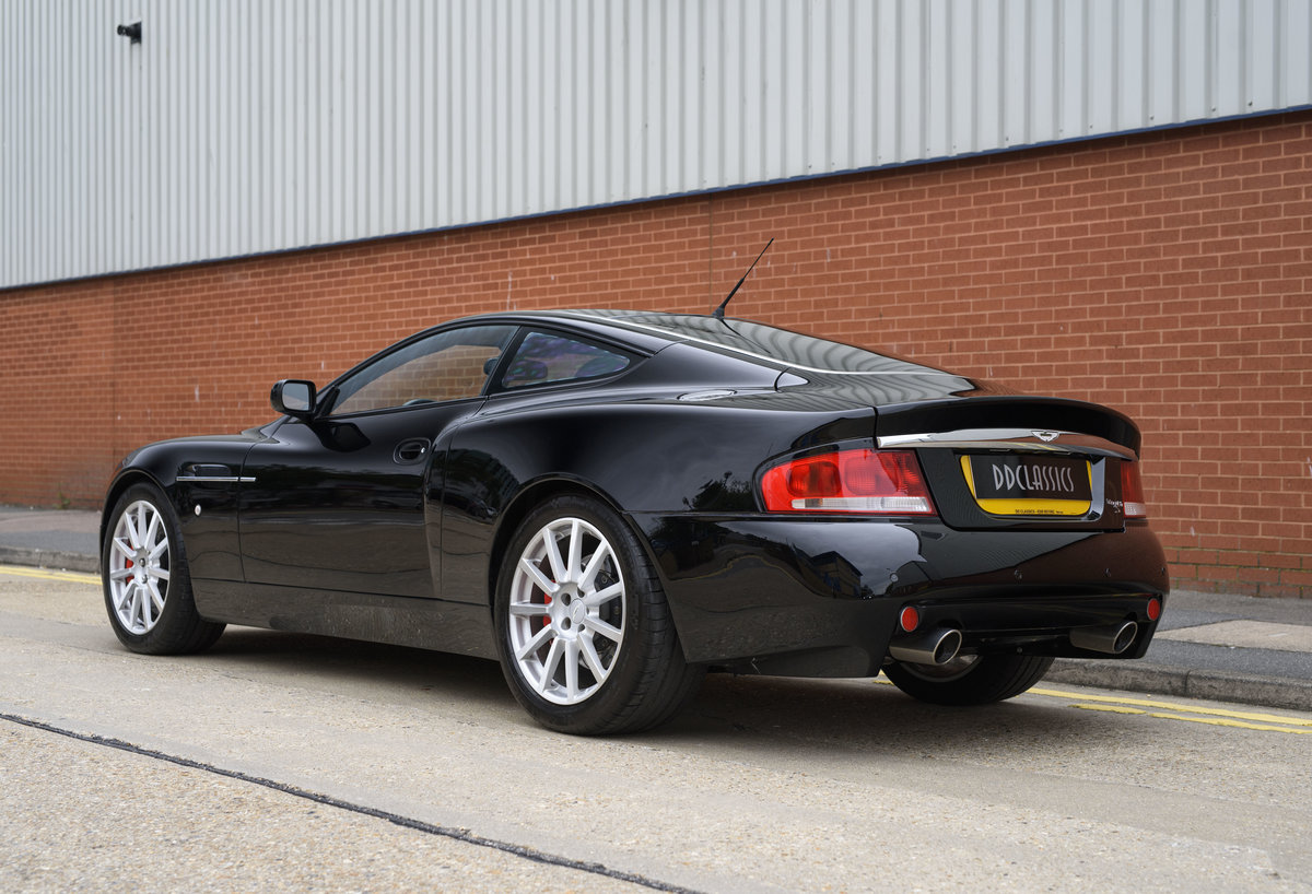 2006 Aston Martin Vanquish S (LHD) For sale in London For Sale (picture 4 of 24)
