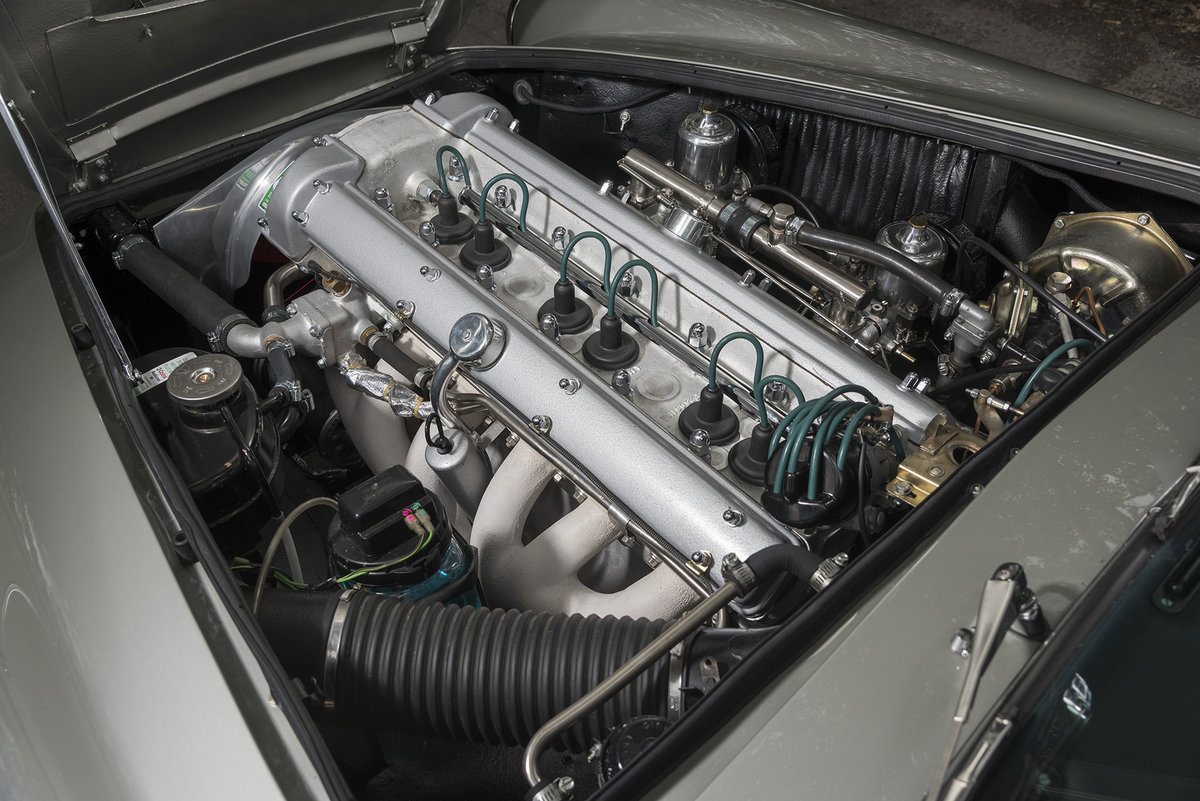 1961 Aston Martin DB4 Series II For Sale (picture 6 of 6)