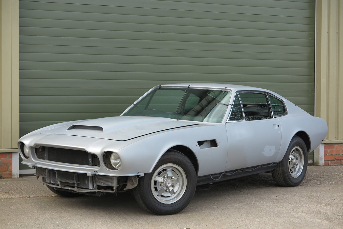 1973 Aston Martin V8 Saloon - Part Completed Resto Project For Sale (picture 1 of 6)