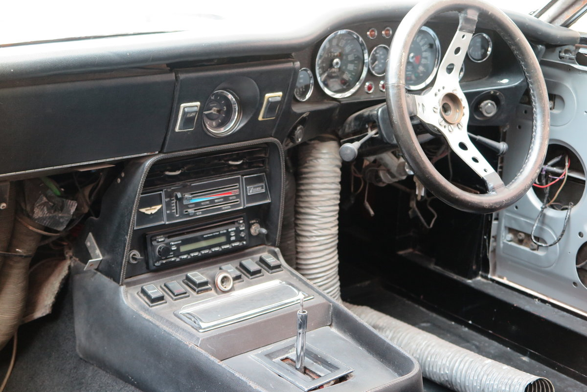 1973 Aston Martin V8 Saloon - Part Completed Resto Project For Sale (picture 5 of 6)