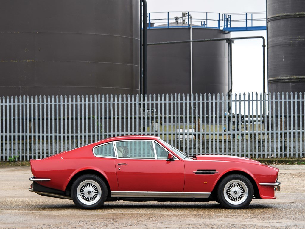 1988 Aston Martin V8 Vantage X-Pack  For Sale by Auction (picture 5 of 6)