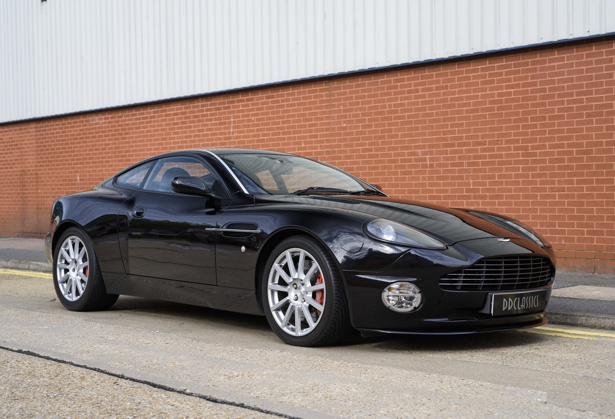 2005 Aston Martin Vanquish 2+2 S (RHD) - For sale in London For Sale (picture 2 of 24)