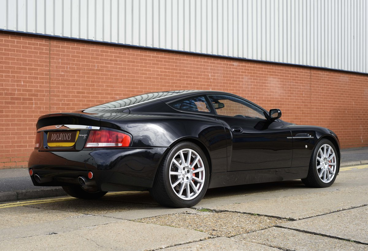 2005 Aston Martin Vanquish 2+2 S (RHD) - For sale in London For Sale (picture 3 of 24)