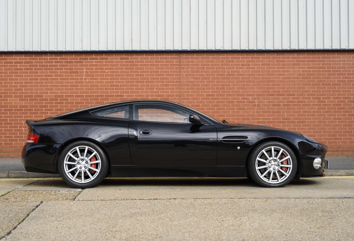2005 Aston Martin Vanquish 2+2 S (RHD) - For sale in London For Sale (picture 5 of 24)