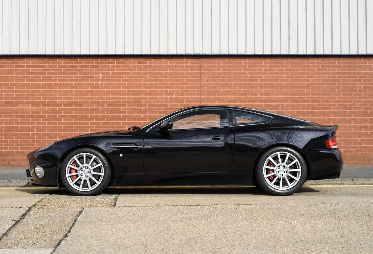 2005 Aston Martin Vanquish 2+2 S (RHD) - For sale in London For Sale (picture 6 of 24)