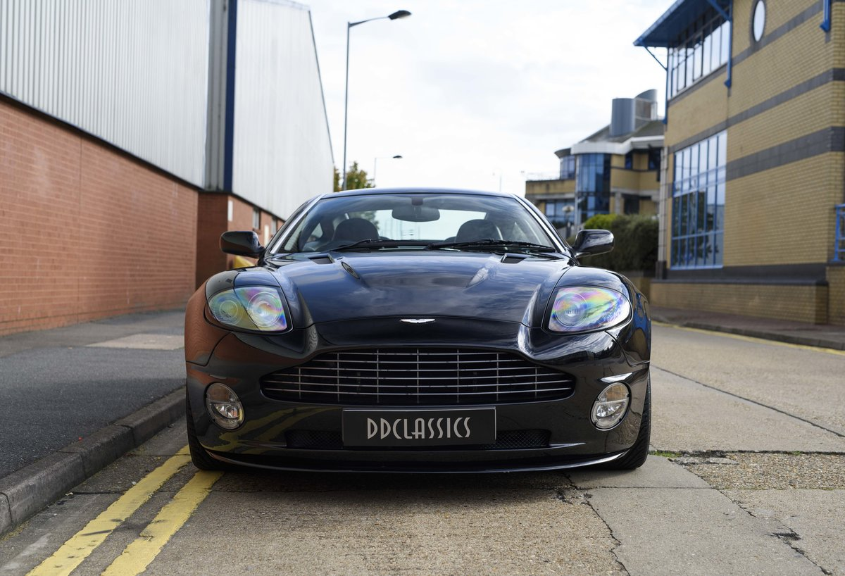 2005 Aston Martin Vanquish 2+2 S (RHD) - For sale in London For Sale (picture 7 of 24)