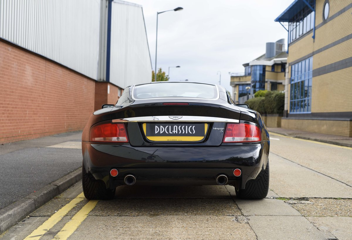 2005 Aston Martin Vanquish 2+2 S (RHD) - For sale in London For Sale (picture 8 of 24)