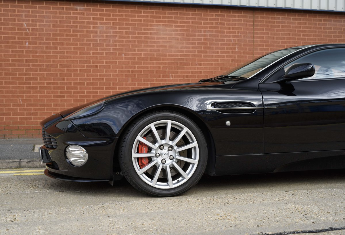 2005 Aston Martin Vanquish 2+2 S (RHD) - For sale in London For Sale (picture 11 of 24)