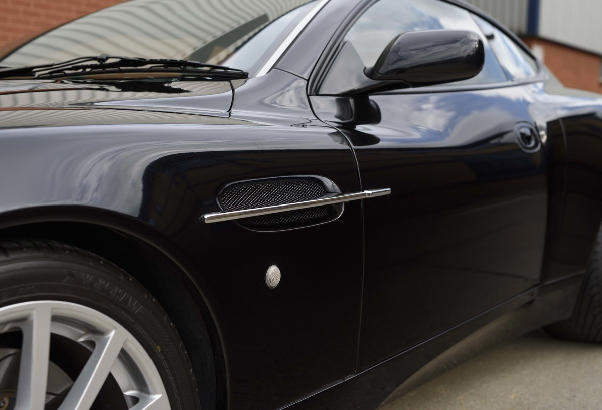 2005 Aston Martin Vanquish 2+2 S (RHD) - For sale in London For Sale (picture 12 of 24)