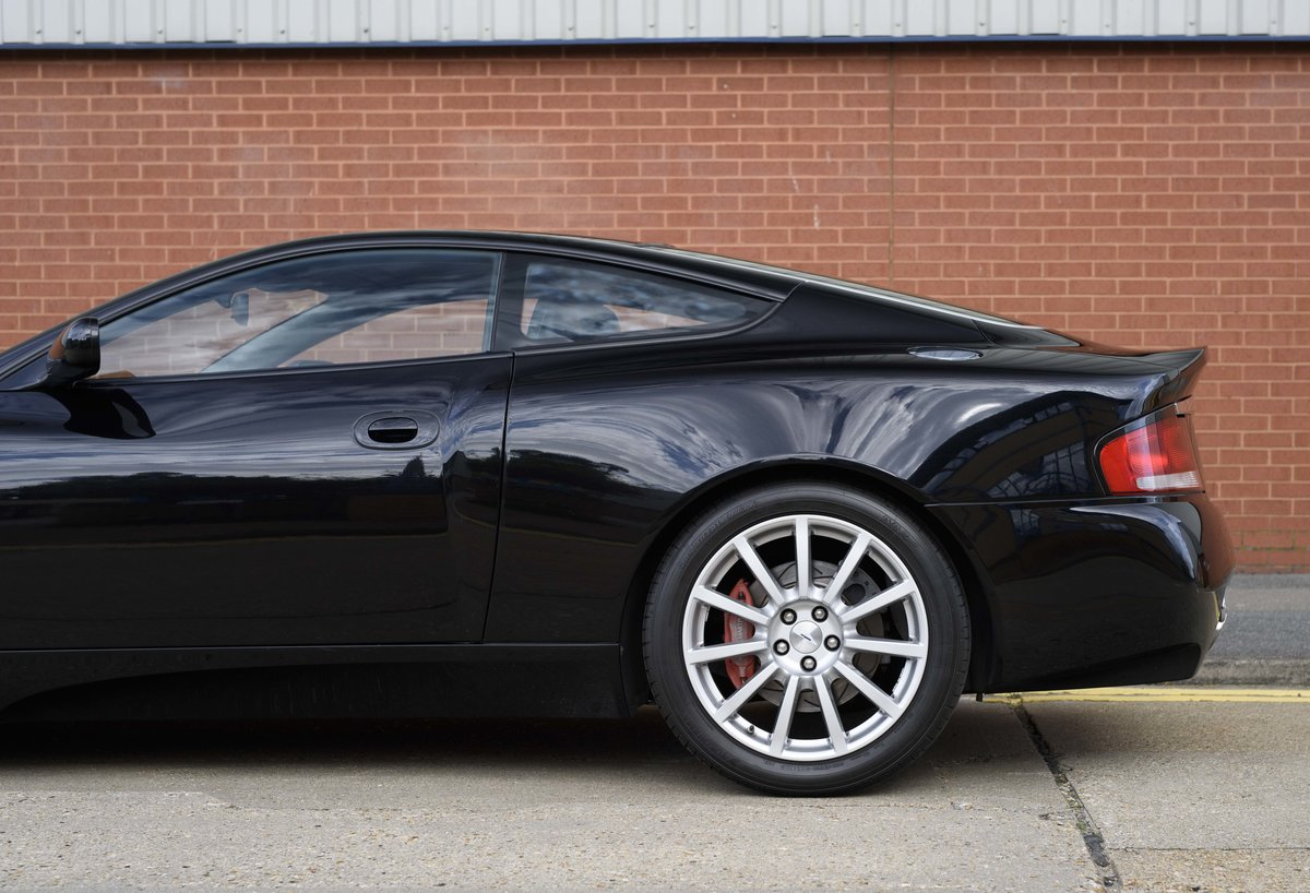 2005 Aston Martin Vanquish 2+2 S (RHD) - For sale in London For Sale (picture 14 of 24)