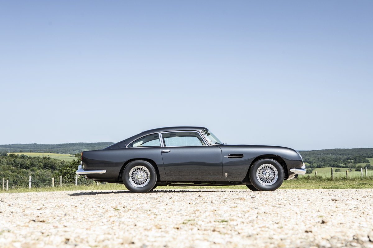 1964 A beautiful DB5 fully restored to the highest standards For Sale (picture 3 of 6)