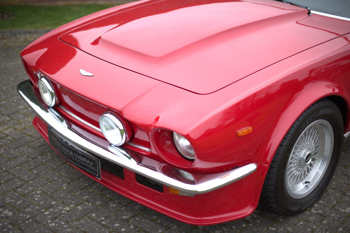 1985 Aston Martin V8 Vantage Sports Saloon For Sale (picture 5 of 15)