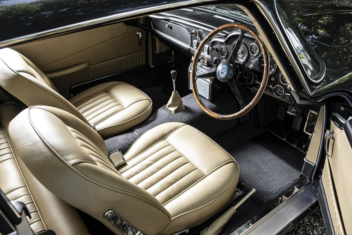 1964 A beautiful DB5 fully restored to the highest standards For Sale (picture 5 of 6)