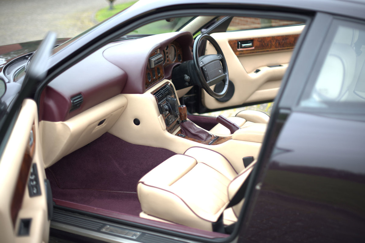 1997 Aston Martin V8 Coupe For Sale (picture 13 of 19)