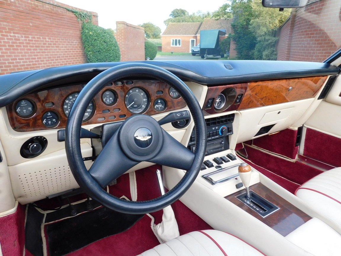 1988 Aston Martin V8 Vantage Volante LHD For Sale (picture 2 of 17)