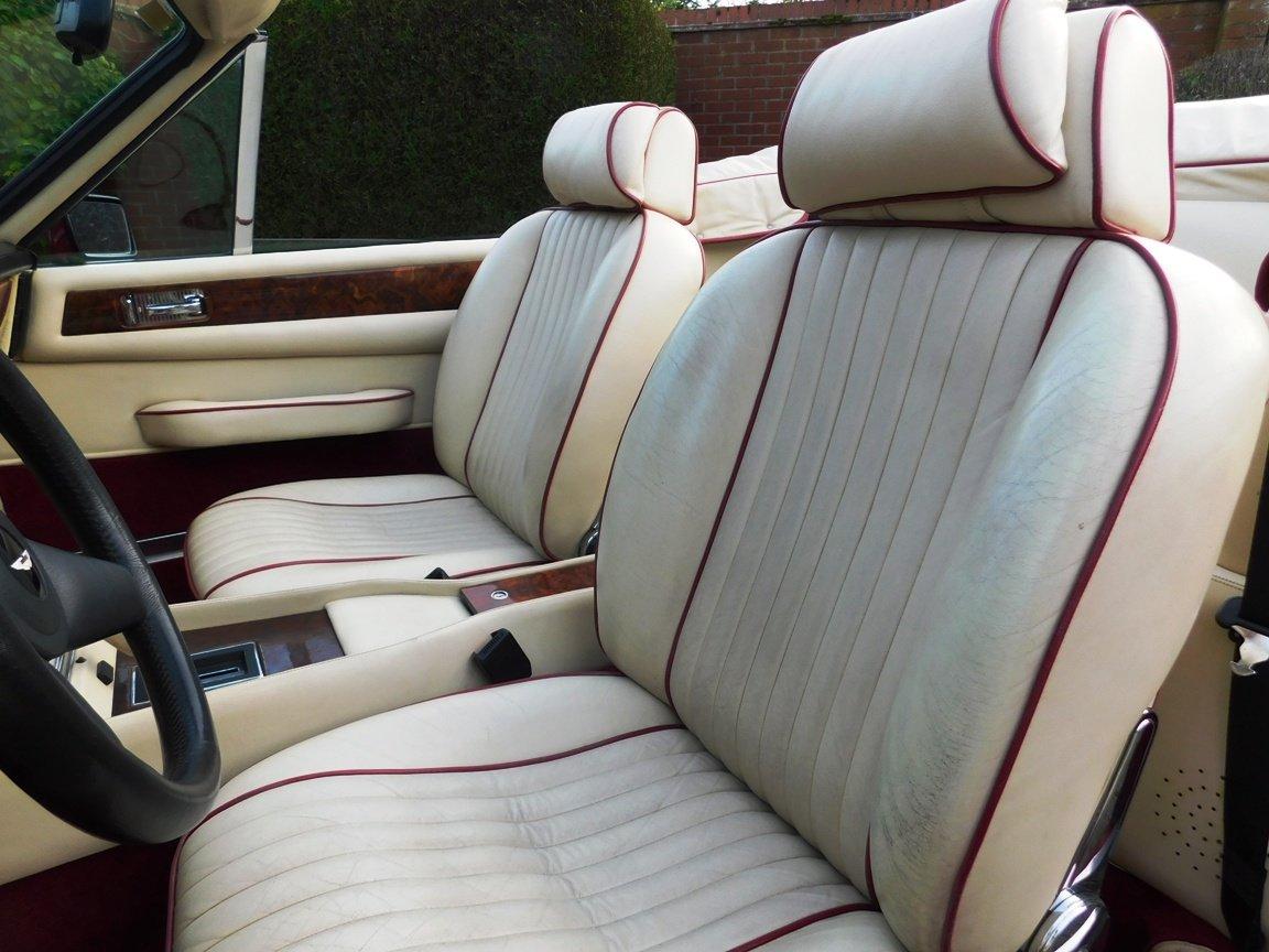 1988 Aston Martin V8 Vantage Volante LHD For Sale (picture 10 of 17)