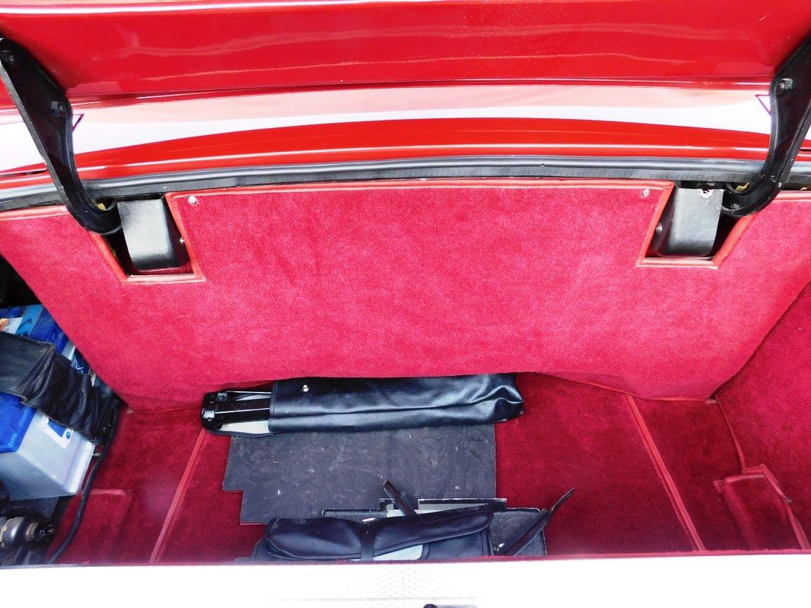 1988 Aston Martin V8 Vantage Volante LHD For Sale (picture 14 of 17)