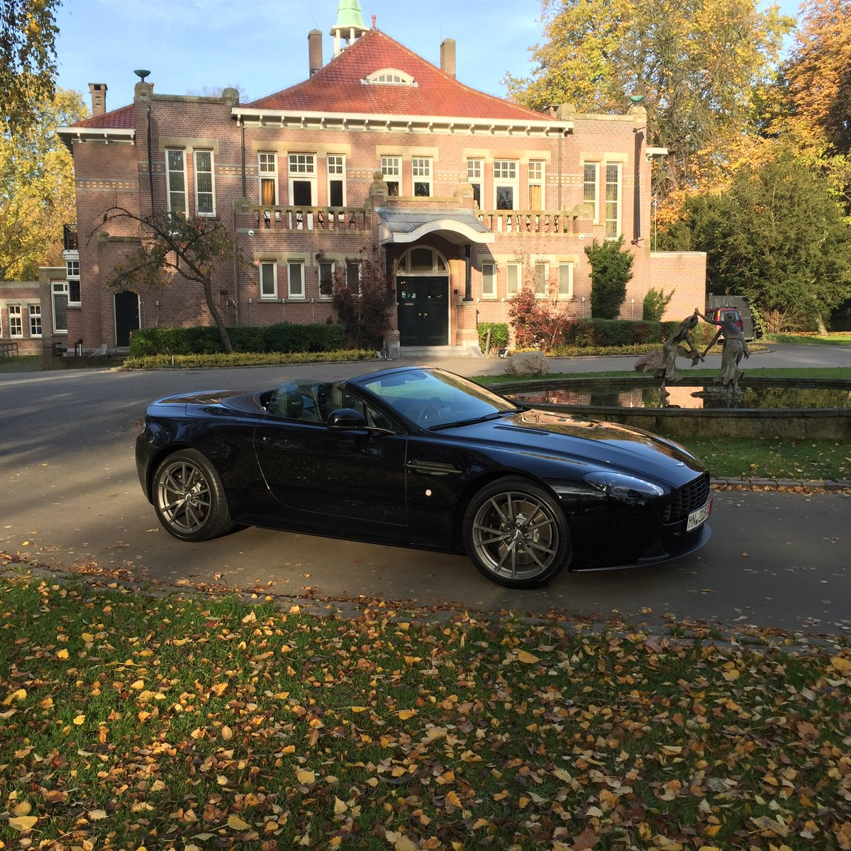2015 Aston Martin Vantage N430 Roadster LHD For Sale (picture 3 of 3)