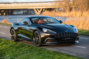 2013 ASTON MARTIN VANQUISH COUPÉ, just 18000 kms since new For Sale