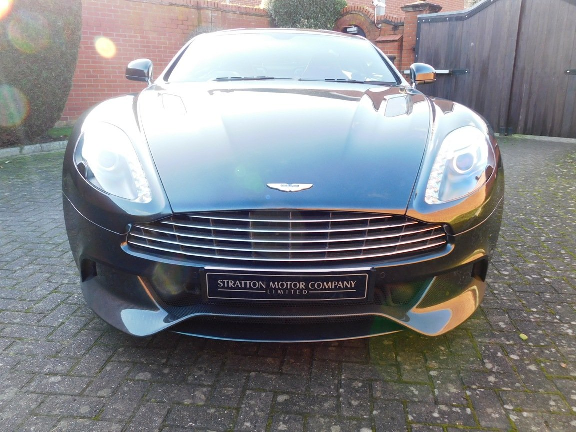 2015 Aston Martin V12 Vanquish Coupe SOLD (picture 2 of 13)