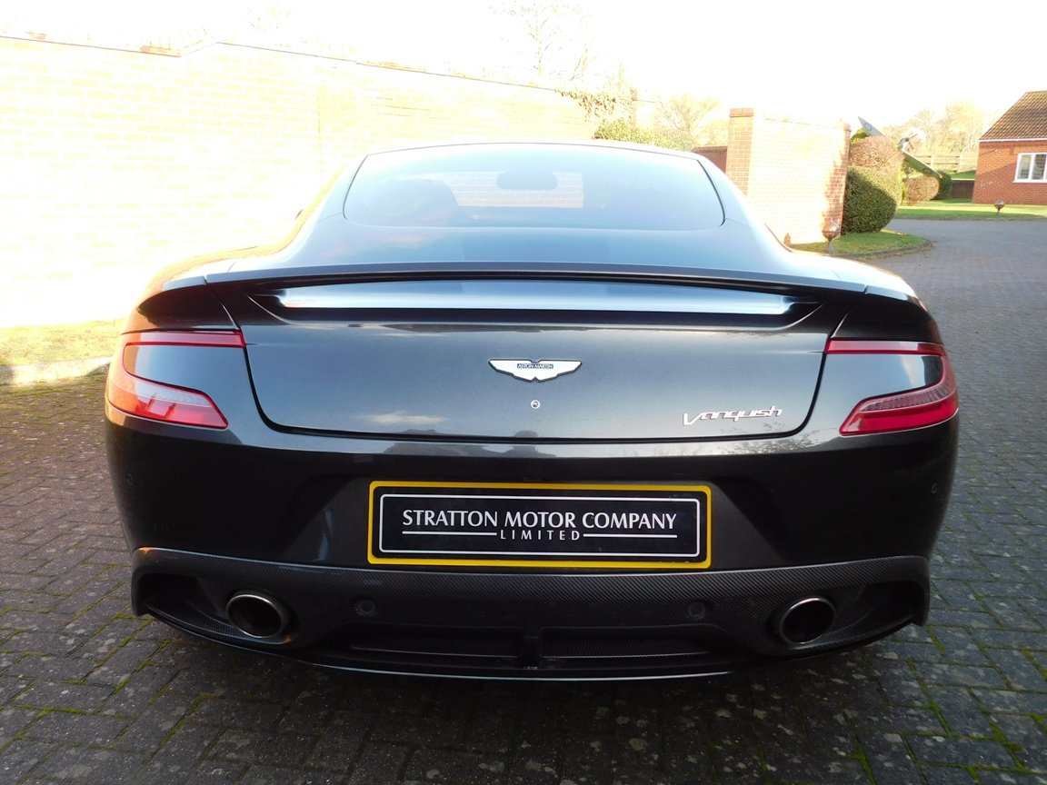 2015 Aston Martin V12 Vanquish Coupe SOLD (picture 4 of 13)