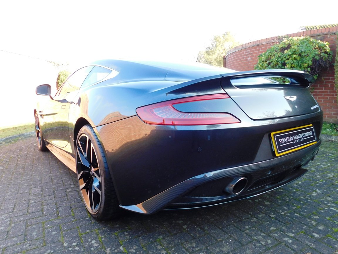 2015 Aston Martin V12 Vanquish Coupe SOLD (picture 5 of 13)