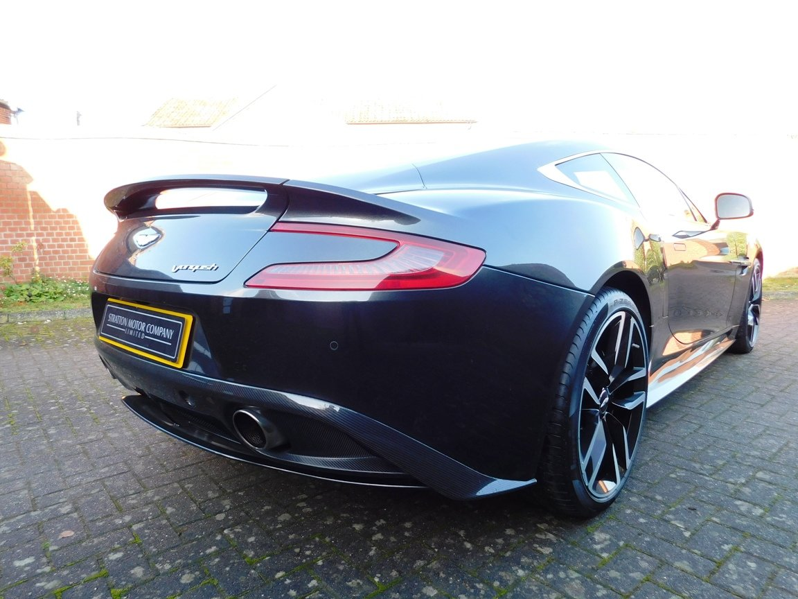 2015 Aston Martin V12 Vanquish Coupe SOLD (picture 6 of 13)